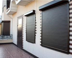 защитные ролеты на окна в частном доме фото